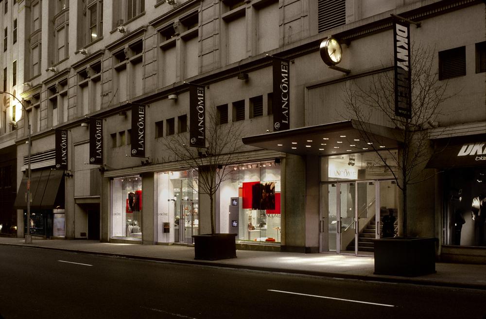 Lancome. Tobin Parnes Design. NY. Retail Design. Exterior.