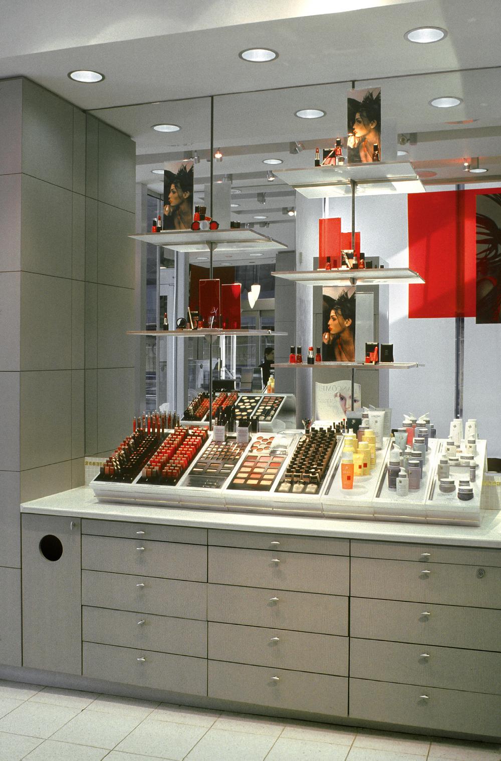 Lancome. Tobin Parnes Design. NY. Retail Design. Sales Area.