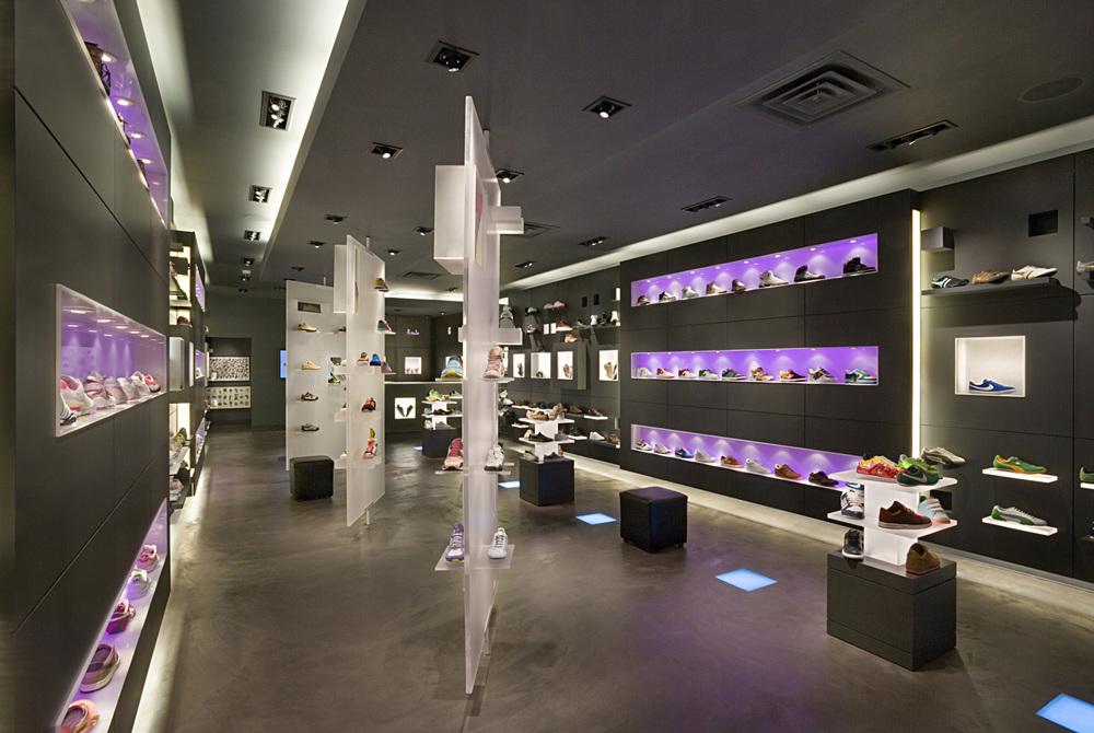 R. Sole. Tobin Parnes Design. Retail Design. Sales Area.