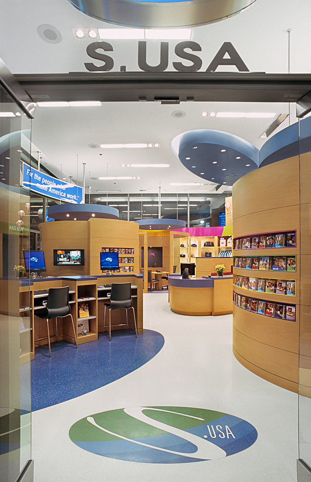 SBLI USA Financial Services - Retail Store. Tobin Parnes Design. Retail Design. Entry.