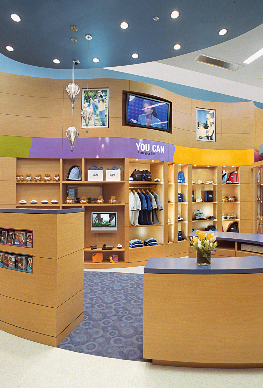 SBLI USA Financial Services - Retail Store. Tobin Parnes Design. Retail Design. Sales Area.