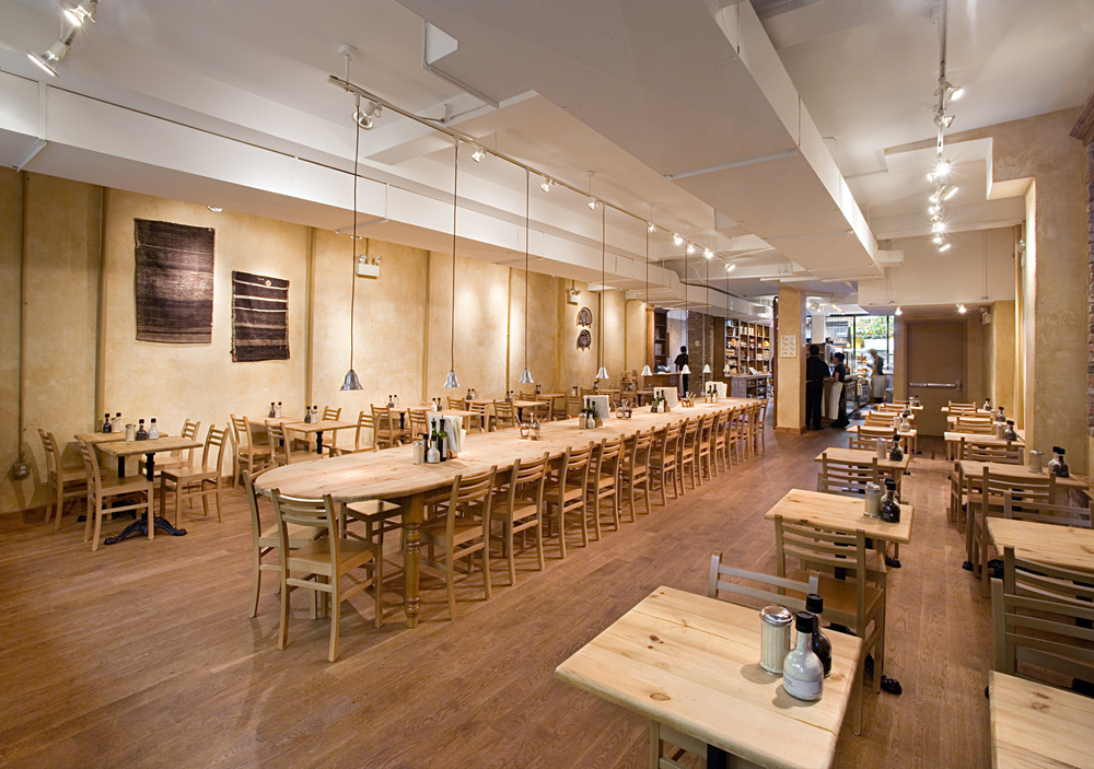 Le Pain Quotidien. Tobin Parnes Design. NYC. Hospitality Design. Restaurant. Cafe. Bakery. Seating.