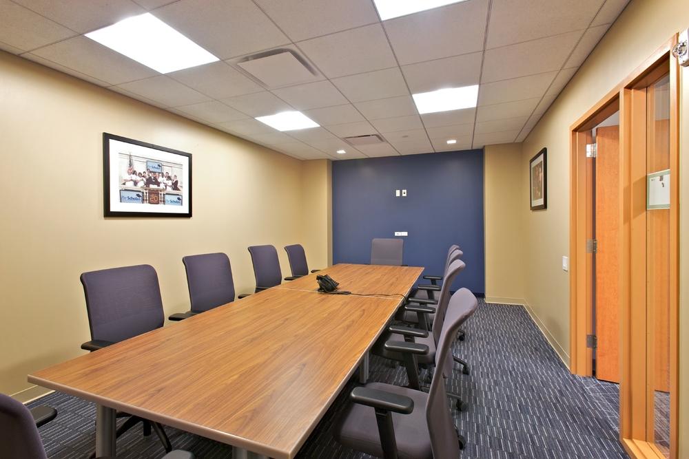 Per Scholas Headquarters. Tobin Parnes Design. New York. Private Meeting Room.