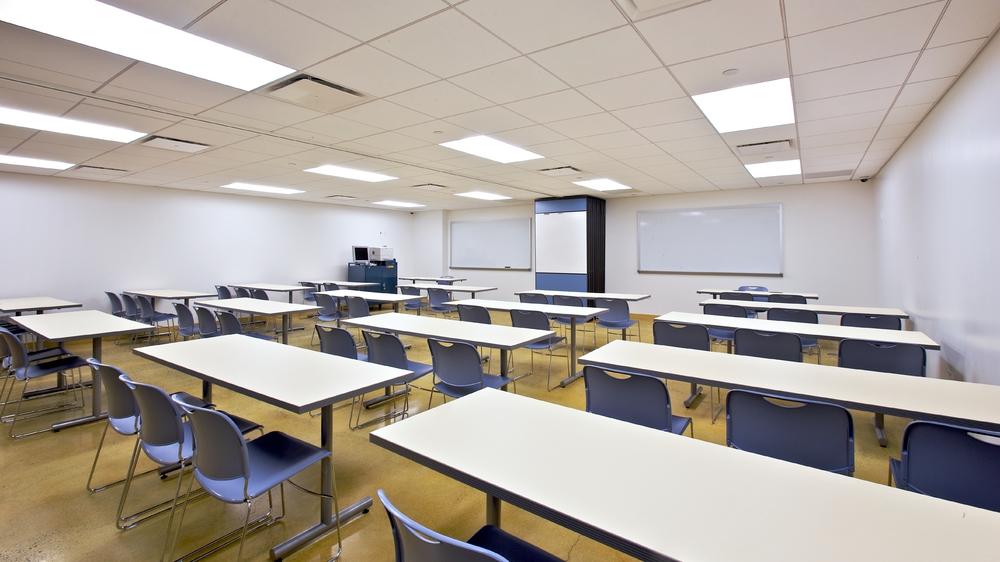 Per Scholas Headquarters. Tobin Parnes Design. Queens, New York. Cultural and Institutional. Classroom.