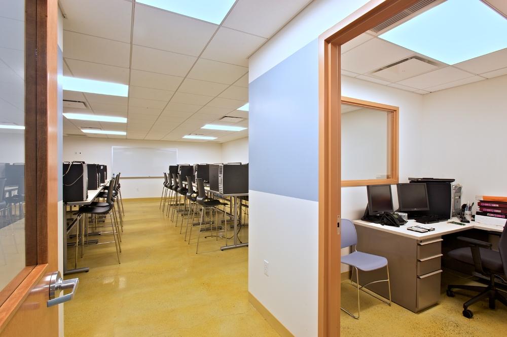 Per Scholas Headquarters. Tobin Parnes Design. Queens, New York. Cultural and Institutional. Computer Lab.