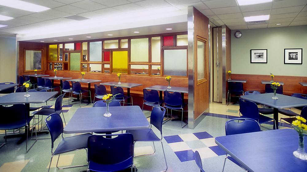 Cafeteria 01.jpg