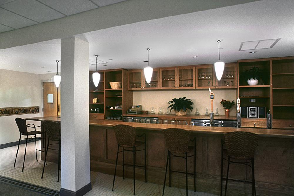Southhamton Inn. Tobin Parnes Design. NY. Hospitality Design. Bar Area.