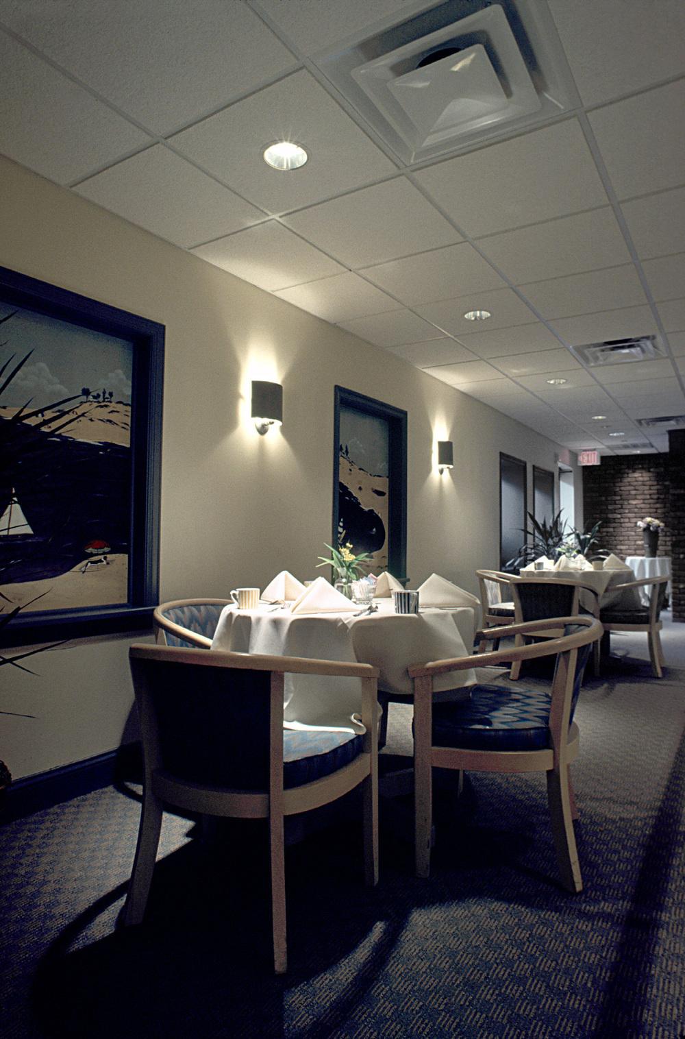 Southhamton Inn. Tobin Parnes Design. NY. Hospitality Design. Dining Area.
