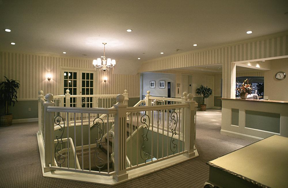 Southhamton Inn. Tobin Parnes Design. NY. Hospitality Design. Lobby.