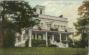1906 - Douglaston Club_Historic Post Card_Front and North Side Facades with Cupola_From Little Neck Histrical Society.jpg