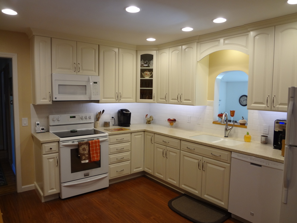 A bright and beautiful new kitchen designed and installed by D'Angelo's Kitchen & Bathrooms.