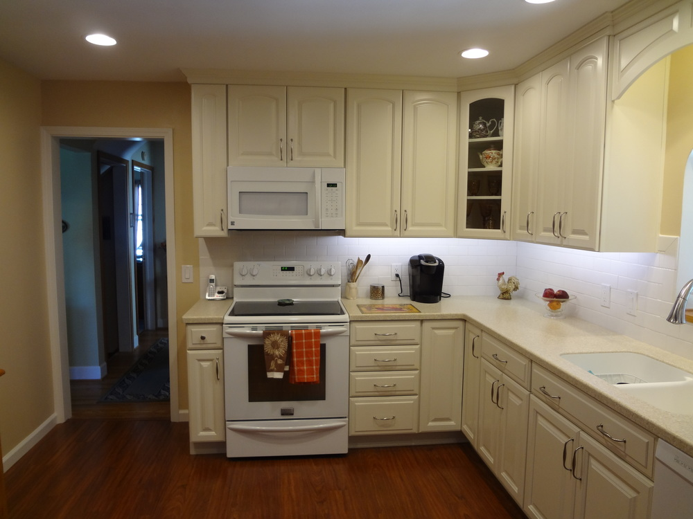 Under-cabinet lighting using LED bulbs for long-lasting energy savings.