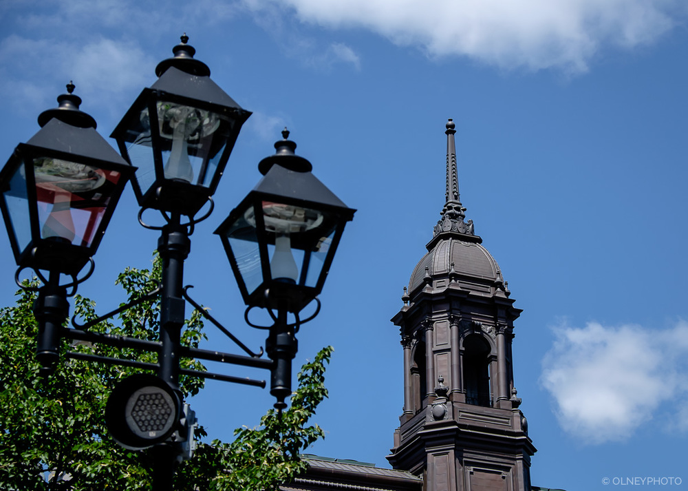 Lamposts in Old Montreal OLNEY Photographe Sherbrooke