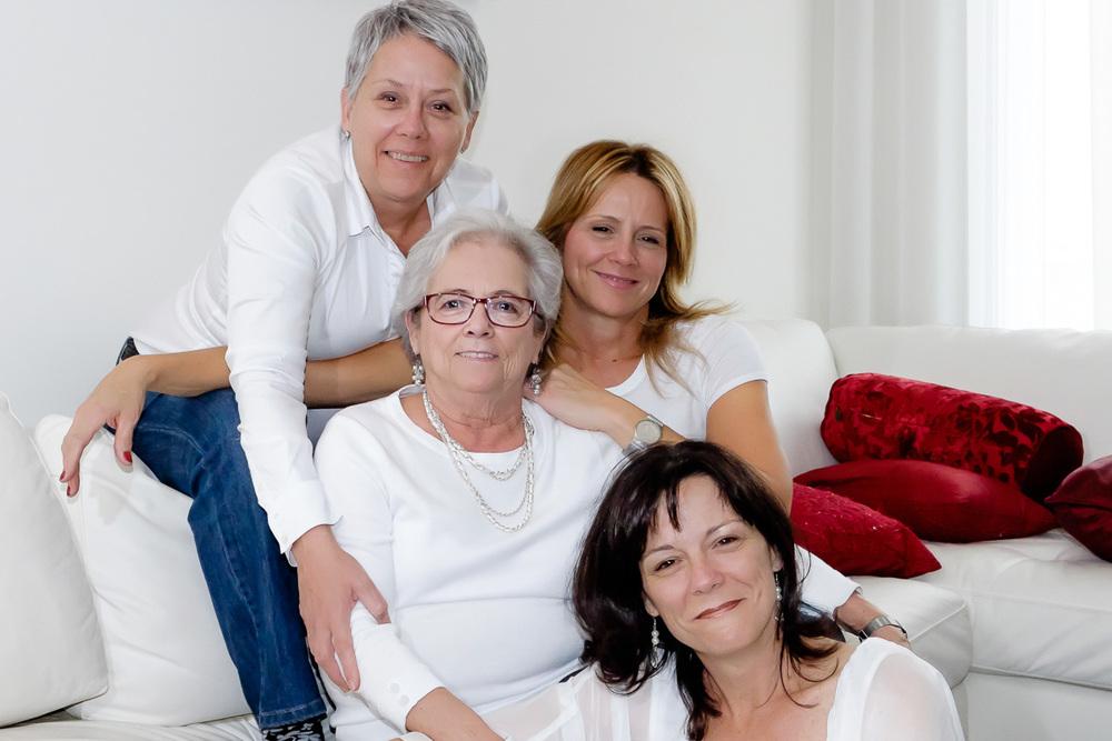 Mère et ses trois filles portrait OLNEY Photographe Sherbrooke