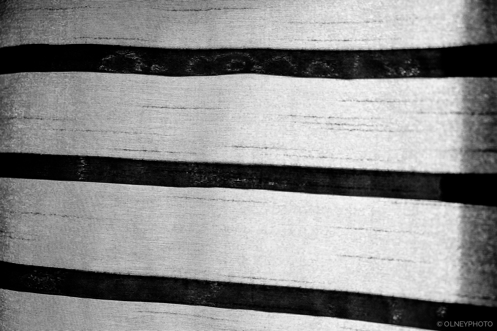 Striped drapes in black and white OLNEY Photographe Sherbrooke