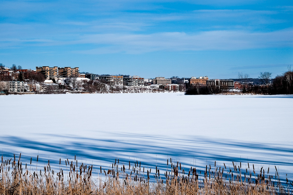 Lac des nations in winter in Sherbrooke QC olney photographe sherbrooke