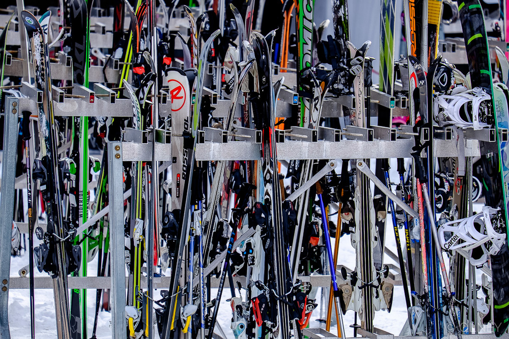 Ski rack at Mont Orford QC olney photographe sherbrooke