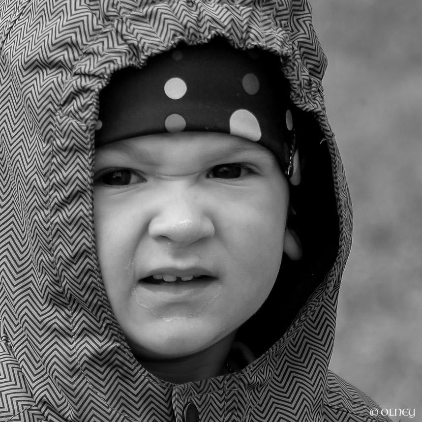 1 1/2 years old boy in black and white portrait olney photographe sherbrooke