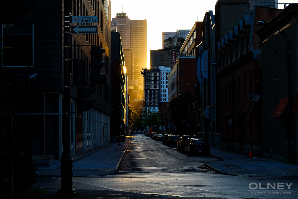 OLNEY-Montreal street at dusk street photography olney photographe sherbrooke