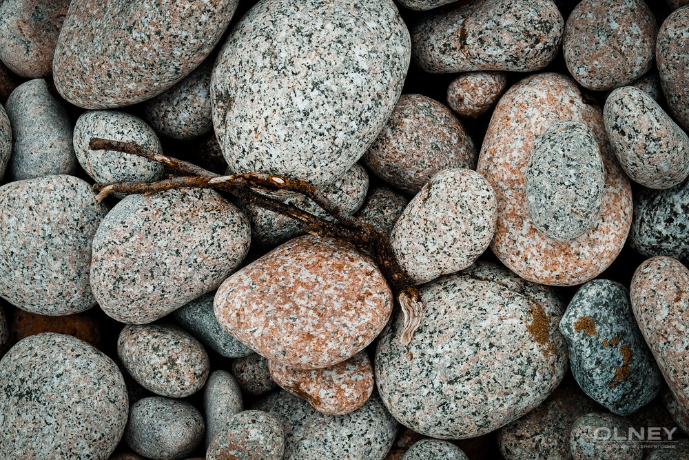 Pebbles on the beach olney photographe sherbrooke