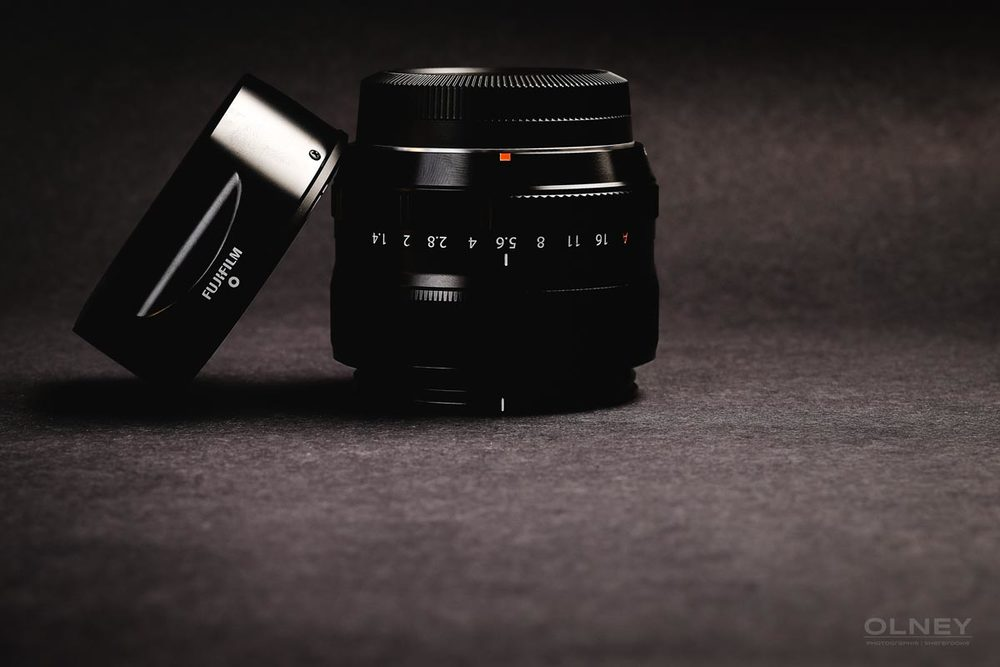 Fujinon XF 35mm F1.4 R and hood