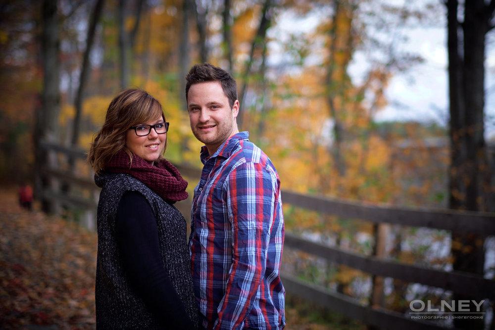 jeune couple en couleurs