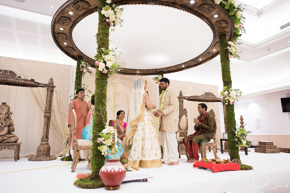 Oshwal_centre_Indian_wedding_Akruti_raj_00007.jpg