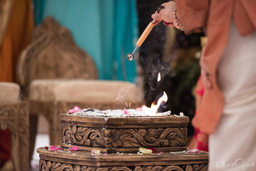Oshwal_centre_Indian_wedding_Akruti_raj_00010.jpg