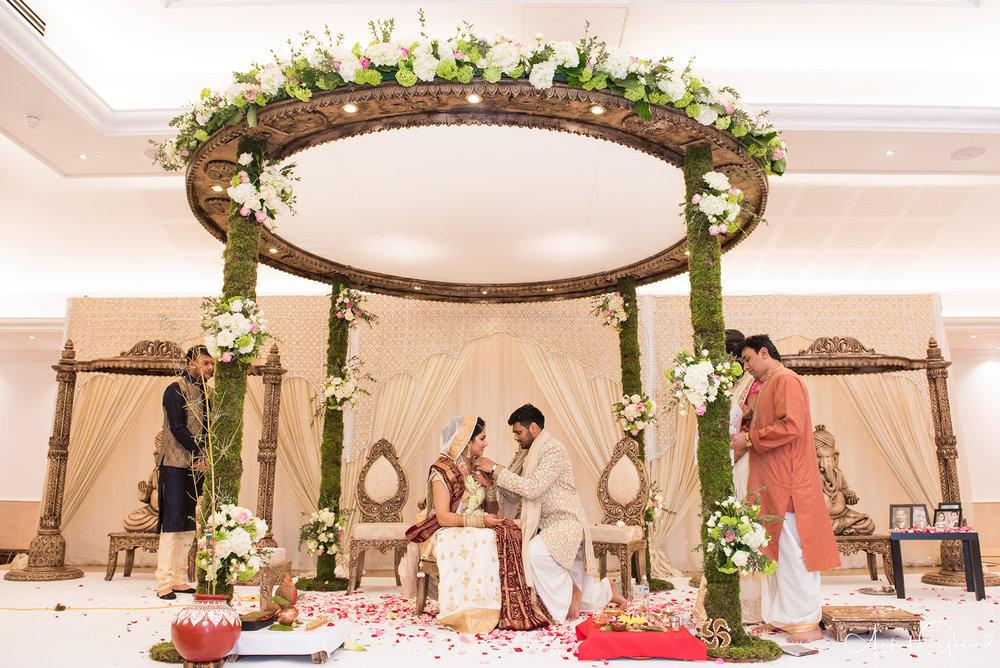 Oshwal_centre_Indian_wedding_Akruti_raj_00011.jpg