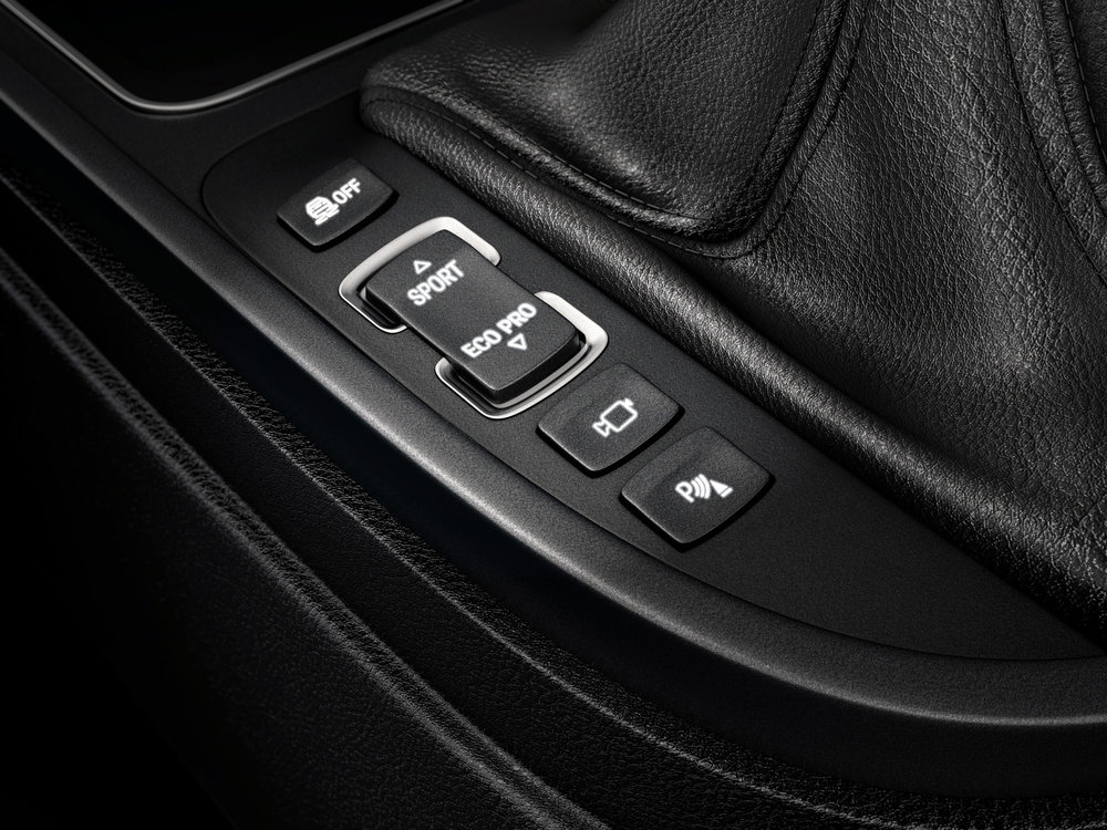 BOOM_CGI_AUTOMOTIVE_bmw-buttons.jpg