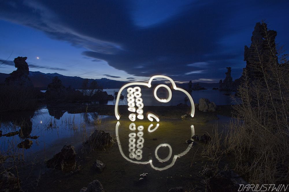 monolake_dariustwin_lightpainting_photography_night_nature_reflection.jpg
