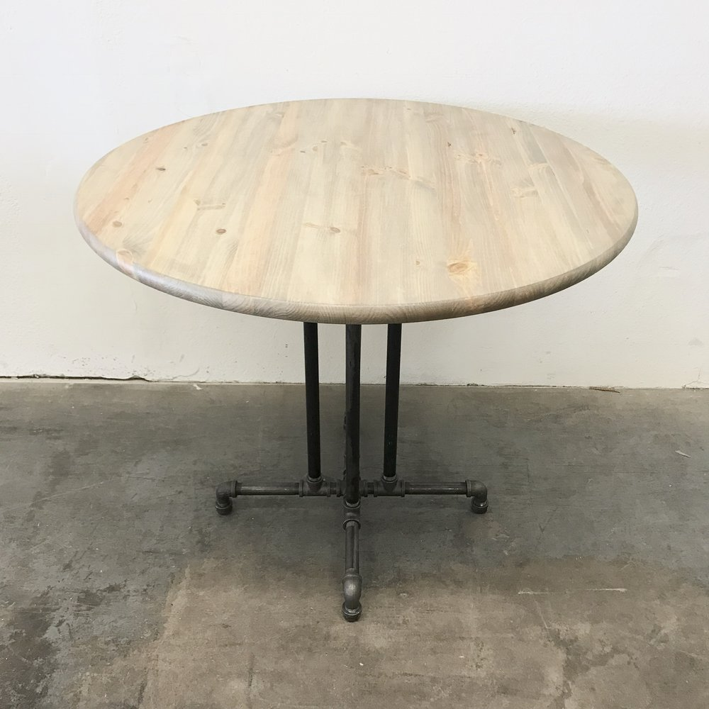 "Ira Dining Table 36"" with Center Legs"
