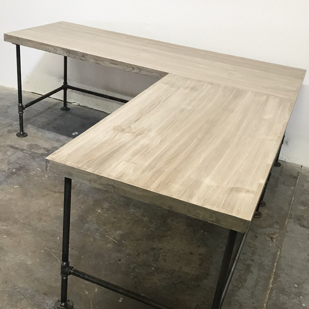 "Wayne Corner Desk Large with 2"" Trim"