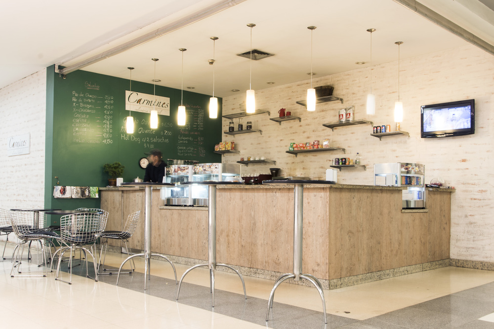 CAFE CARMINES