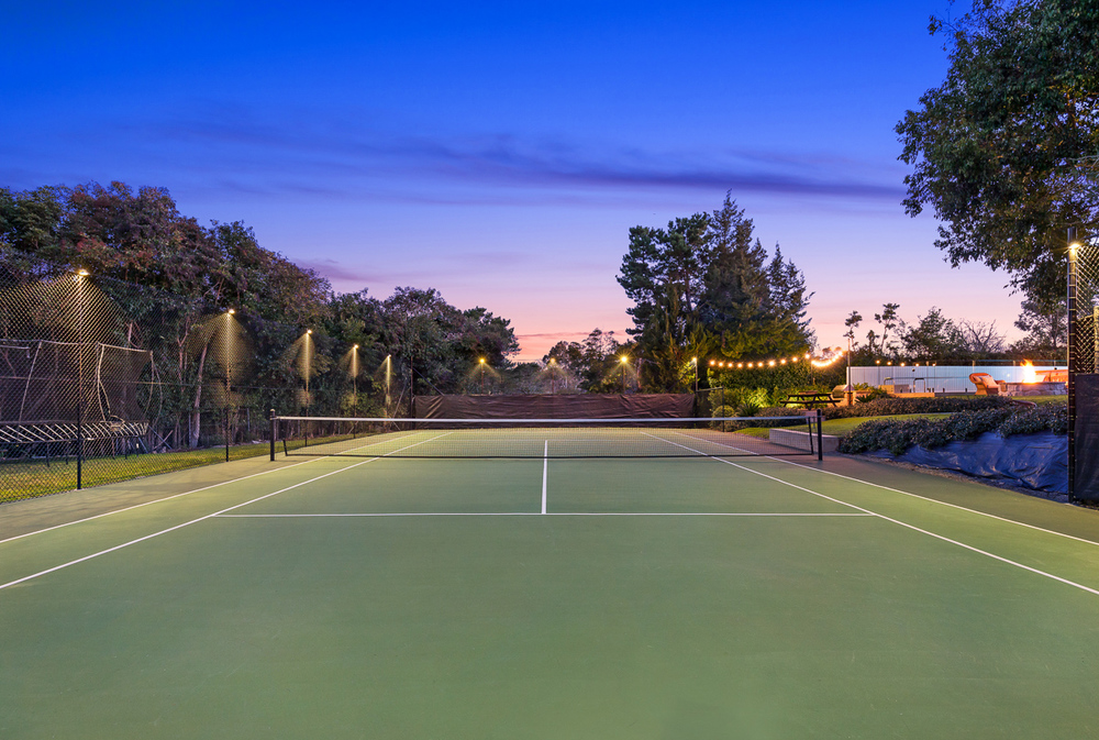 2 Torres - Twilight Tennis Court - Web.jpg