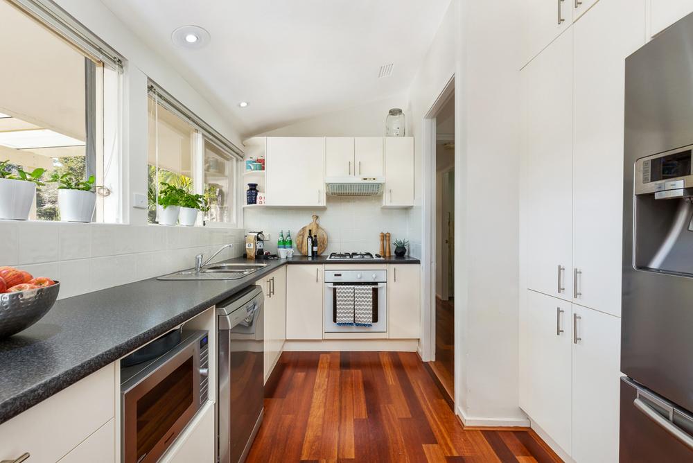 1 Edgecombe - Kitchen - Web.jpg