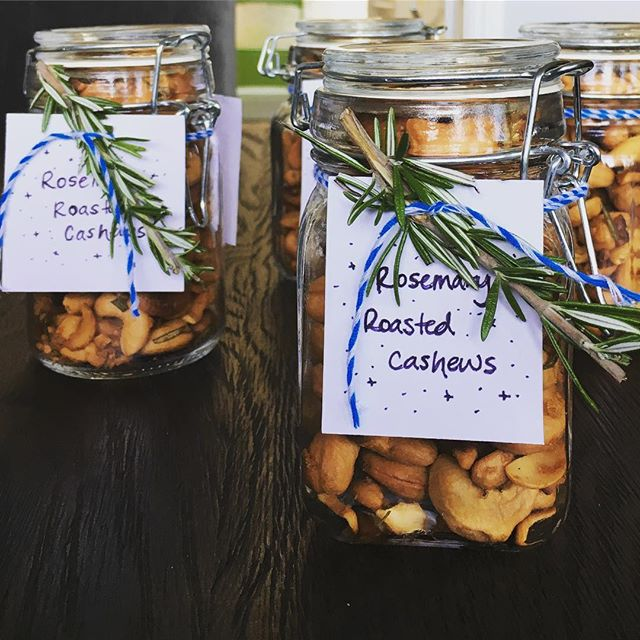 We went to an amazing progressive dinner on our block. Made these awesome rosemary roasted cashews for the hosts as a thank you. One of my goals is to perfect my hand lettering. #hostessgifts #inagarten