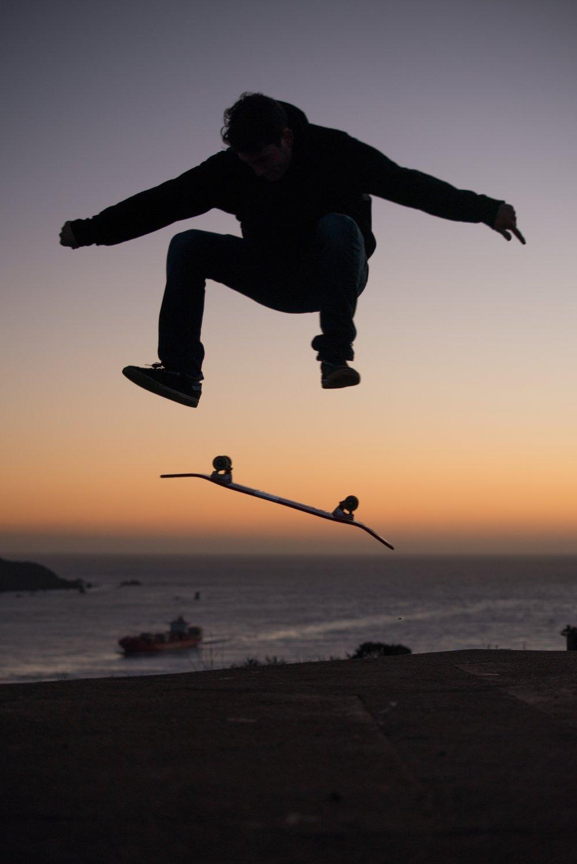 Connor Kickflip Sunset 2.jpeg
