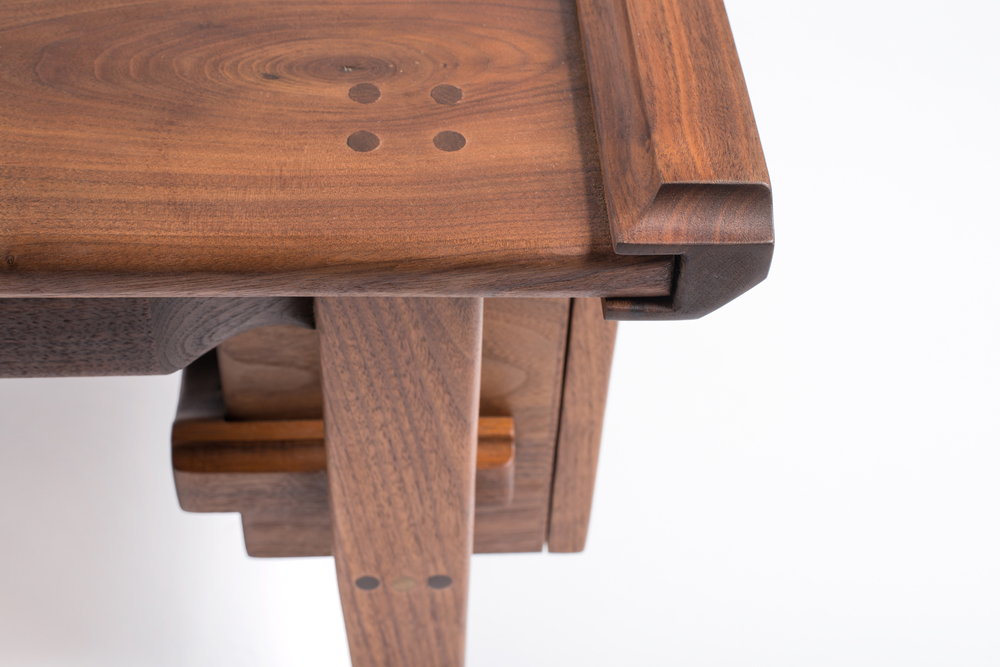 Walnut_Table_05.jpg