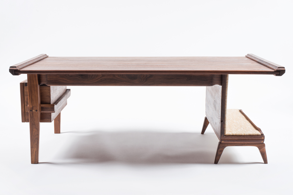 Walnut_Table_02.jpg