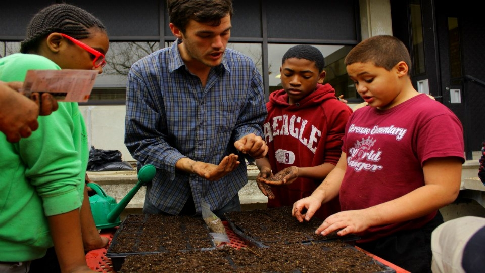 Educational Consulting - Students have so much to gain from exposure to the natural world. GCP works with public/private schools, universities and the USDA to bring food production and ecology to the classroom and school yard.