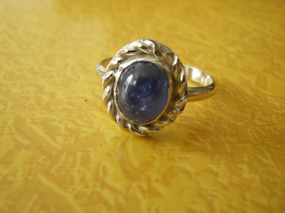 Tanzanite Cabachon In Sterling Silver with Sterling Rope Accent $250