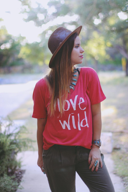 LOVE WILD SLOUCHY TEE