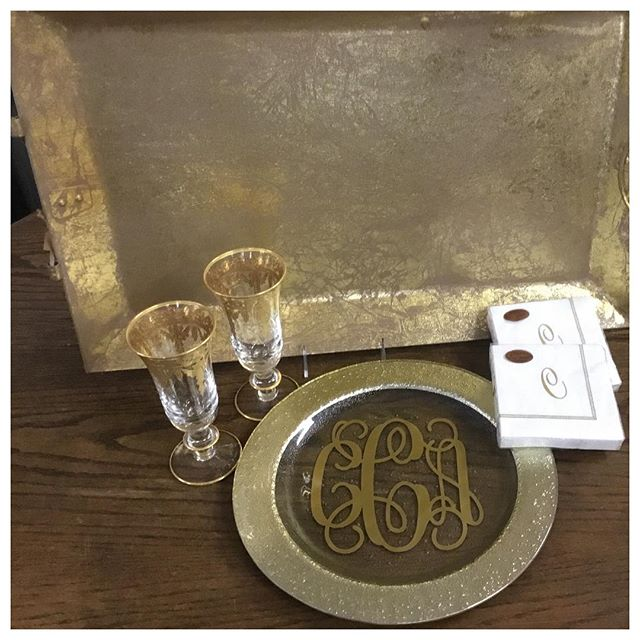 Congratulations Caroline! We loved personalizing your engagement gifts! #engagementday #weddingseason #goldtrays #arteitalica #caspari #darnellsfunstuff