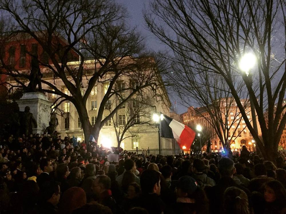 A vigil held outside of the White House for victims of the Paris terror attacks (Photo: Nicholas Blake /November 14, 2015).
