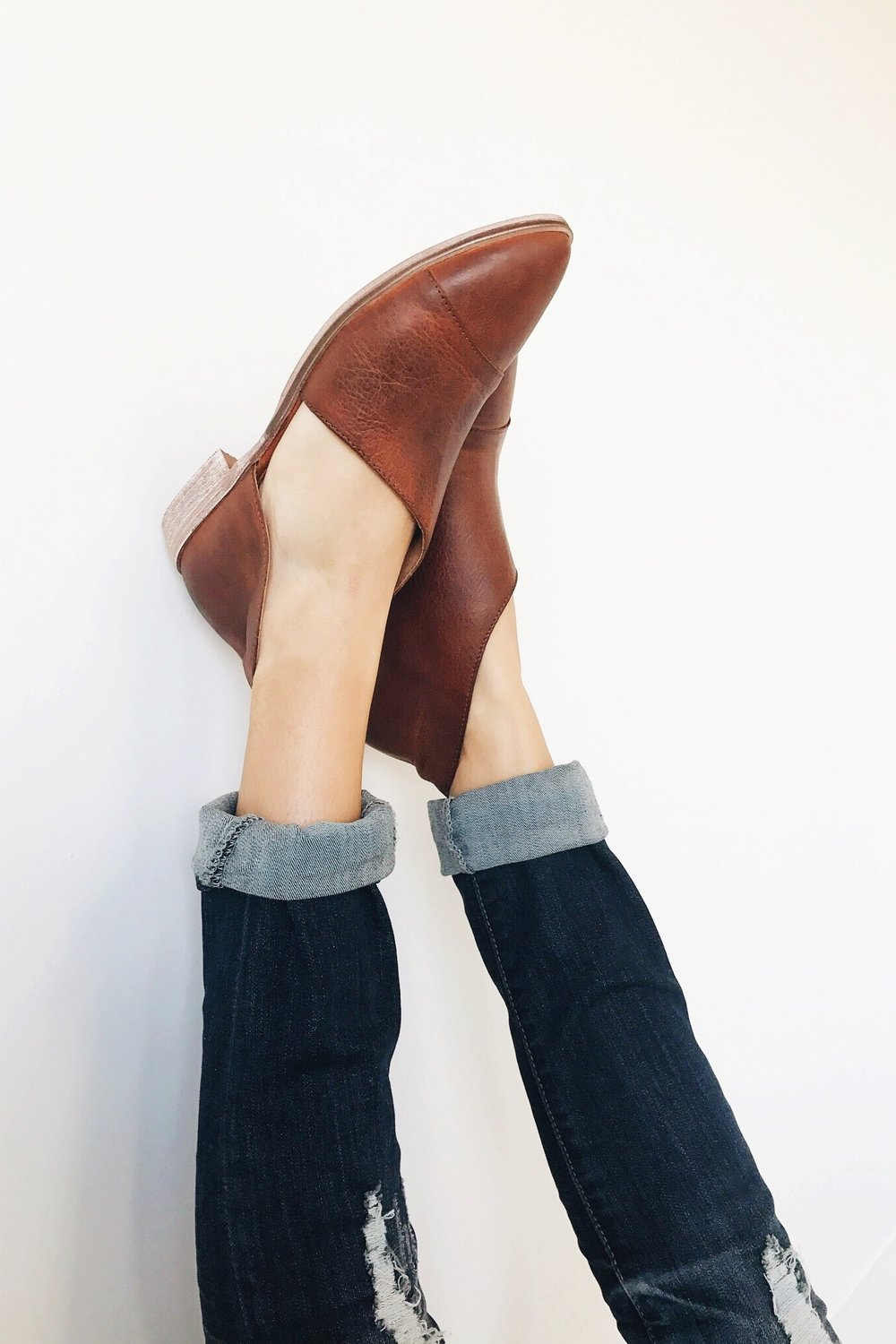 Free People Royale Flat in Whiskey