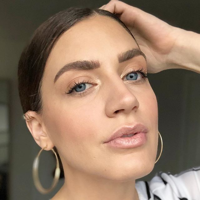 🌸 SPRING PINK 🌸 . . . . #adashofsalter #blog #beautyblogger #beautyinspiration ##makeup #makeupartist #makeupaddict #makeuplover #makeupjunkie #springpink #makeupforever #makeupbyme #makeupoftheday #makeuplook #makeupart #makeupblogger #makeuplove #maskcarabeauty #maskcaraartist #maskcaramakeup #creammakeup #minimalmakeup #custompalette #naturalmakeup #versatilemakeup #springmakeup #beautyqueen #beautycare #beautyaddict #beautyful