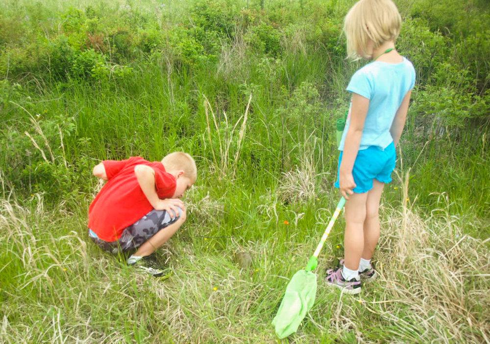 colton and chloe on the prairie.jpg
