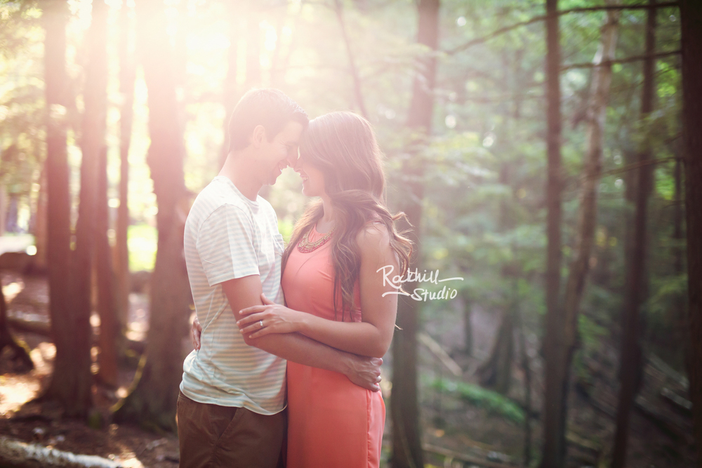 Rockhill-studio-marquette-michigan-upper-peninsula-engagement-session-wetmore-landing-lake-superior-14.jpg