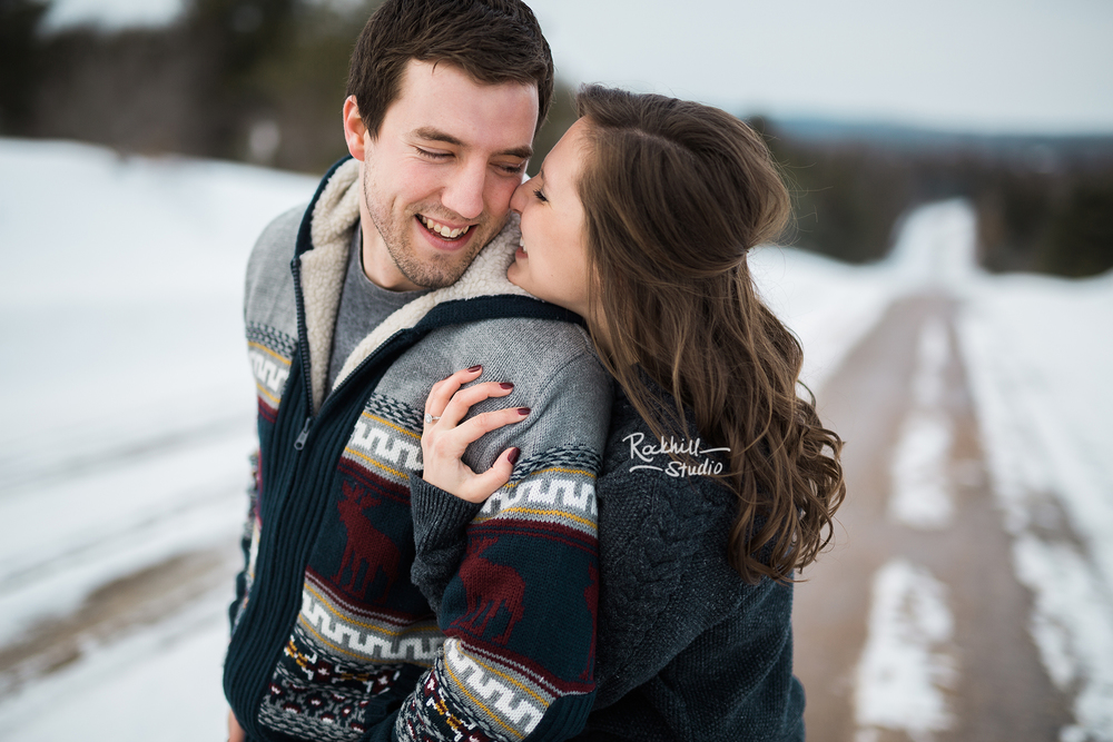 northern-michigan-wedding-photography-rockhill-studio-winter-engagement-1.jpg